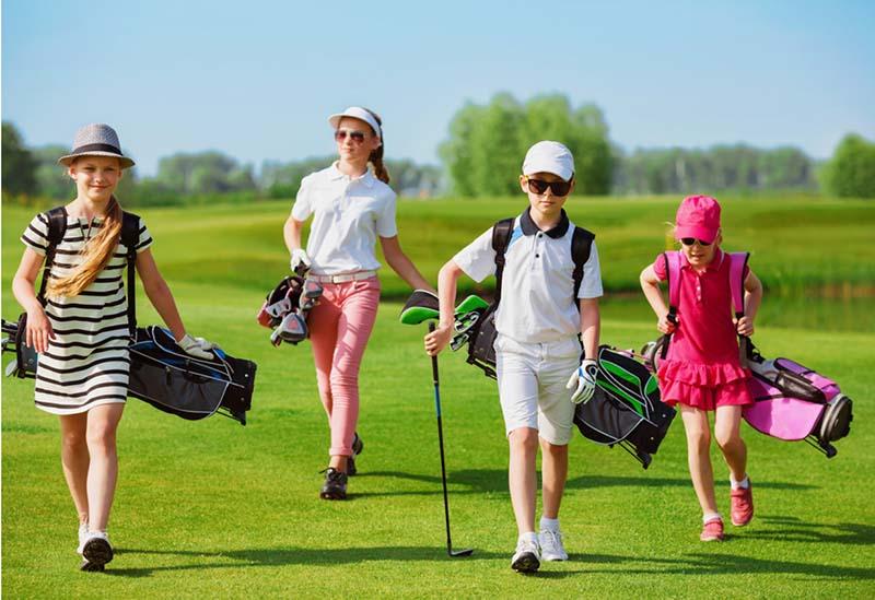 Đồ chơi golf cho trẻ em rất đa dạng mẫu mã