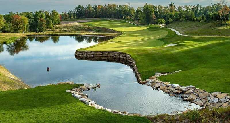 Sân golf Novaworld Phan Thiết là hệ thống sân thứ 3 ở châu Á và duy nhất tại Việt Nam mang thương hiệu PGA