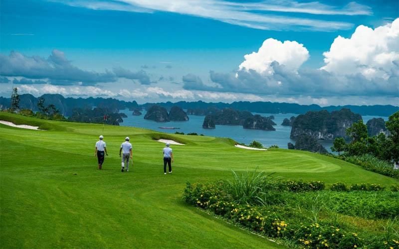 Sân tập golf ở Quảng Ninh FLC Hạ Long đẹp mê hoặc lòng người