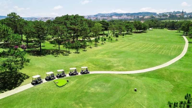 Thủ Đức là một trong số sân tập golf ở Sài Gòn nổi tiếng