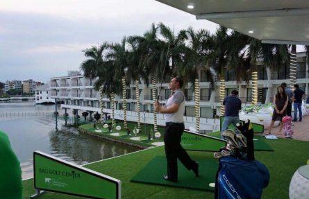 sân tập golf Hồ Tây