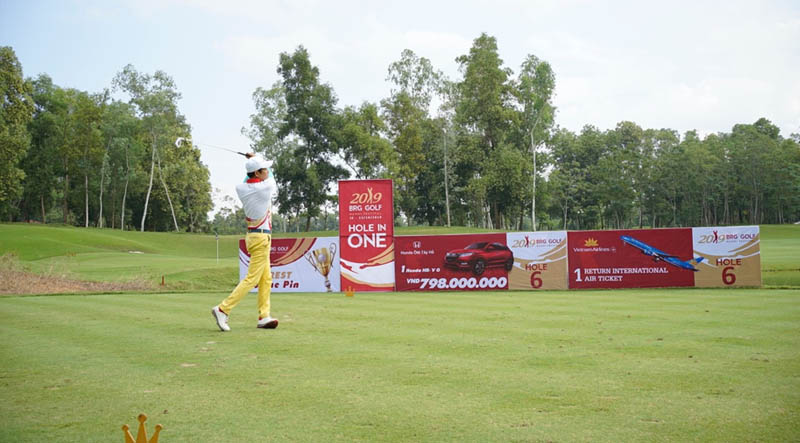 Sân tập golf xanh - sạch - đẹp