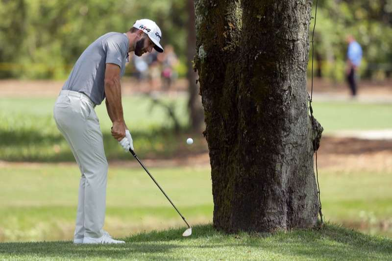 Cách cầm gậy golf tay trái chuẩn sẽ quyết định thành tích đánh bóng của người chơi