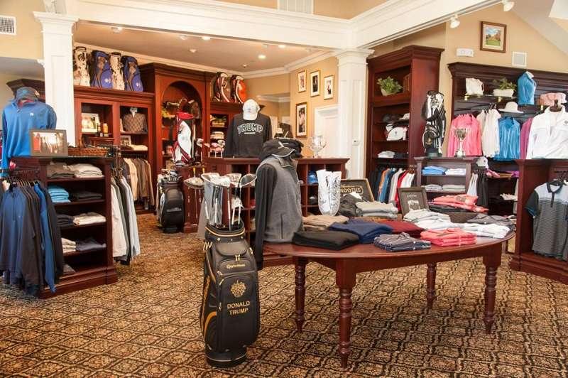 Các cửa hàng cung cấp dịch vụ mua bán trao đổi gậy gôn cũ luôn thu hút rất nhiều golfer