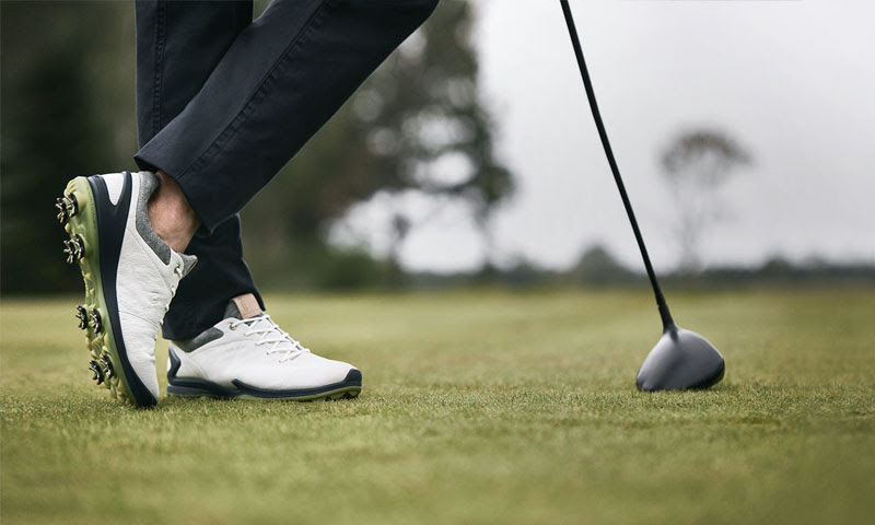 Giày golf cũ vừa có mức giá phải chăng, vừa đa dạng mẫu mã không thua kém gì giày mới