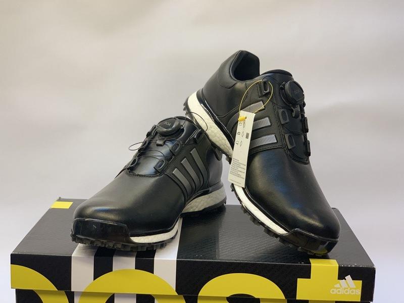 Giày golf cũ Adidas không chỉ cực kỳ phong cách mà độ bền cũng rất cao