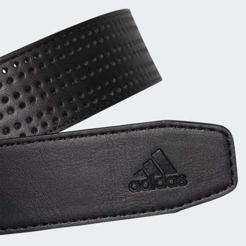 Adidas là một trong những thương hiệu thời trang golf nổi tiếng