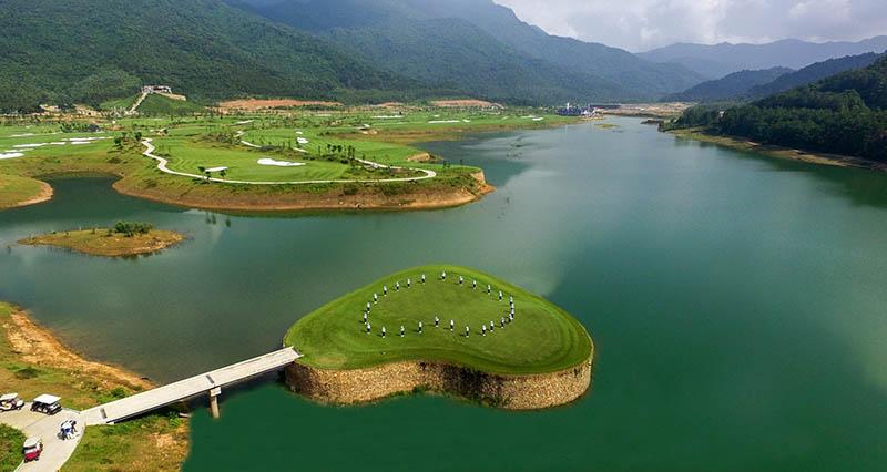 Hố golf 14 sân golf Thanh Lanh với thiết kế độc đáo